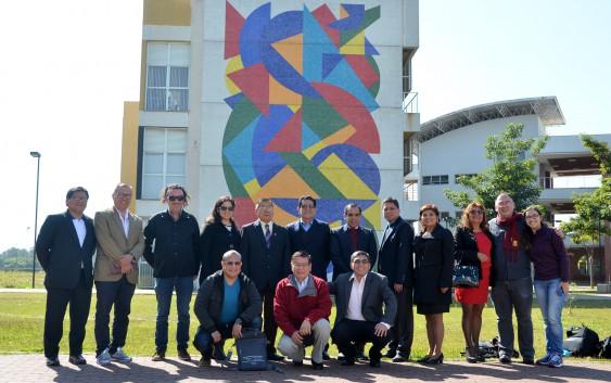 Curso de Têxtil e Moda recebe a visita de representantes da mais antiga universidade do continente Americano
