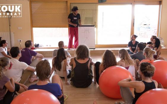 Funcionária da EACH foi contemplada com curso de atualização na Espanha