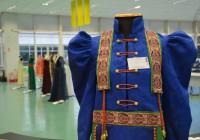 """""""Civilizações Antigas"""" é tema de exposição de trajes na biblioteca da EACH"""