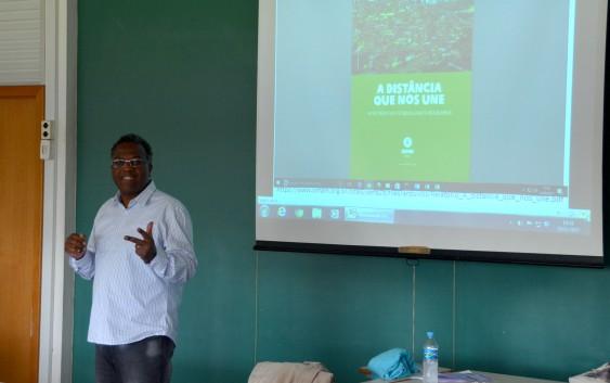 Na semana da Consciência Negra, o curso de Obstetrícia da EACH recebe o professor Luis Eduardo Batista