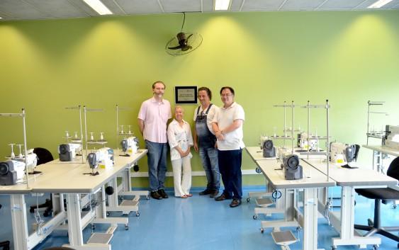 Curso de Têxtil e Moda da EACH recebe doação de máquinas profissionais de costura