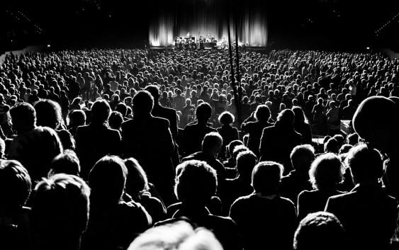 Professor da EACH fala à Rádio USP sobre o crescimento do mercado de shows no Brasil