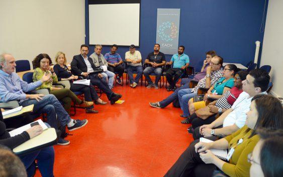 Educadora e ativista social Eliana Sousa Silva visita a EACH para conhecer projetos de extensão