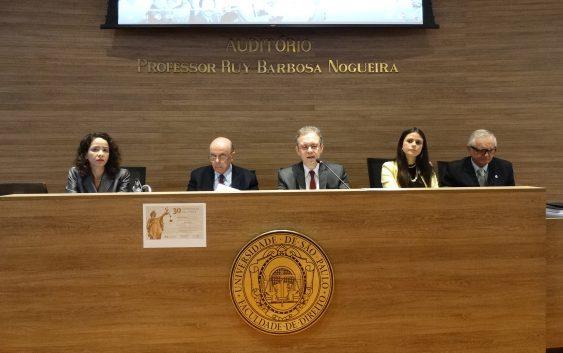 Professora da EACH discute os 30 anos da Constituição Brasileira em evento na Faculdade de Direito da USP