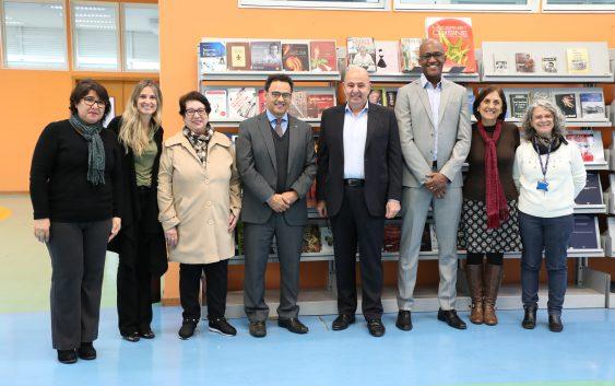 Biblioteca recebe doação de livros de gastronomia da Editora Senac