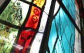 Escola realiza entronização de vitral que celebra a cidade de São Paulo