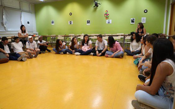Curso de Obstetrícia recebe visita de escola de São José dos Campos