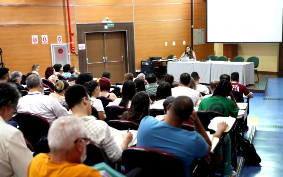 Professora de Sorbonne realiza conferência sobre turismo na EACH