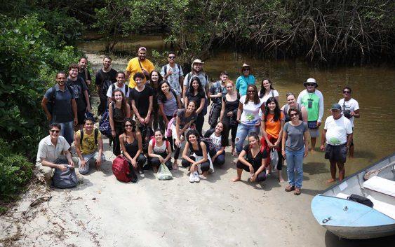 Alunos de Gestão Ambiental fazem visita técnica na APA Baleia Sahy